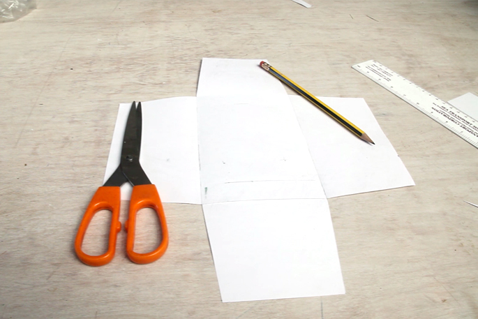 The Dark Knight DIY Desk Lamp - Make Any Shape Lamp With Plywood - Step #6 Creating the template for the cement base