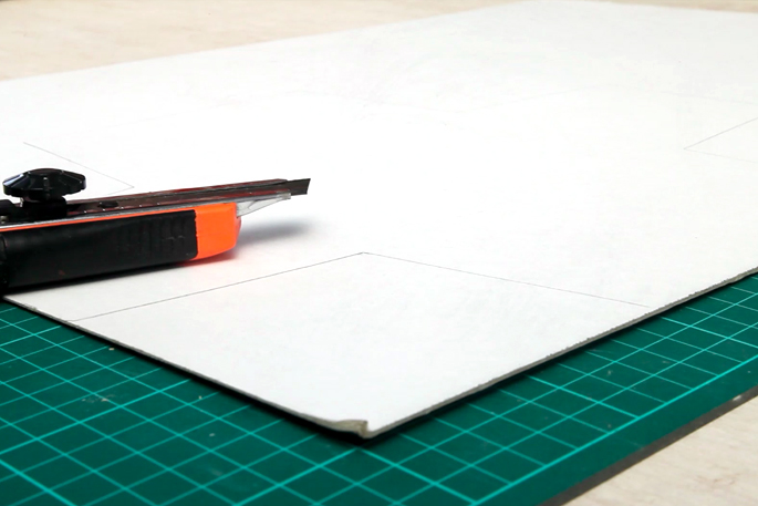 The Dark Knight DIY Desk Lamp - Make Any Shape Lamp With Plywood - Step #7 Cutting out the base template