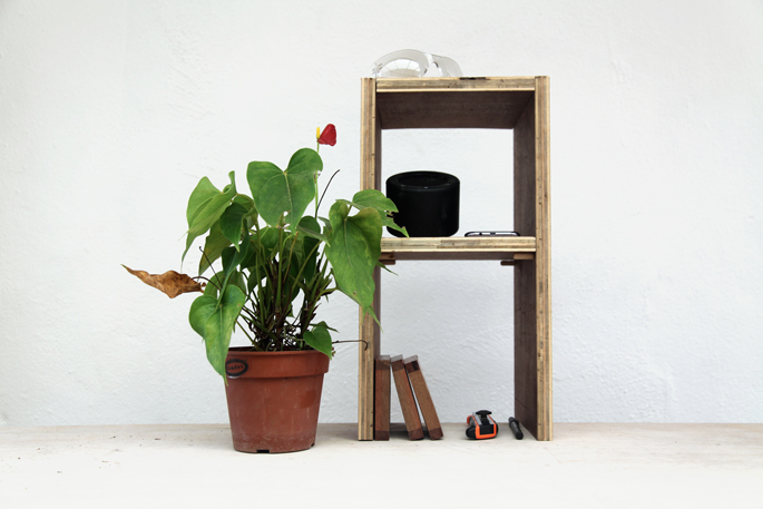 The DIY Table Tower - Basic Edition: Plywood Shelves that Slot Onto a Table