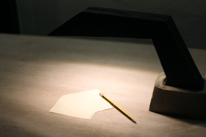 The Dark Knight DIY Desk Lamp - Make Any Shape Lamp With Plywood